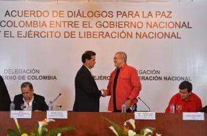 Colombia anuncia que diálogo para concretar mesa con ELN se retomará en enero
