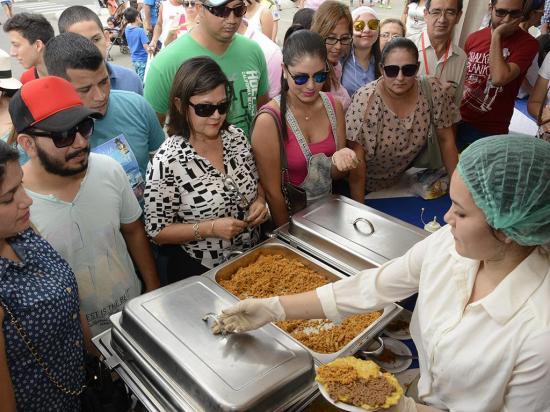 La comida mueve la economía local