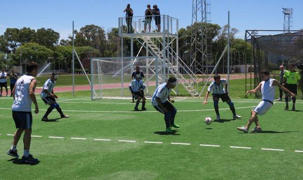 'Los Murciélagos', el primer estadio de fútbol en Argentina para ciegos