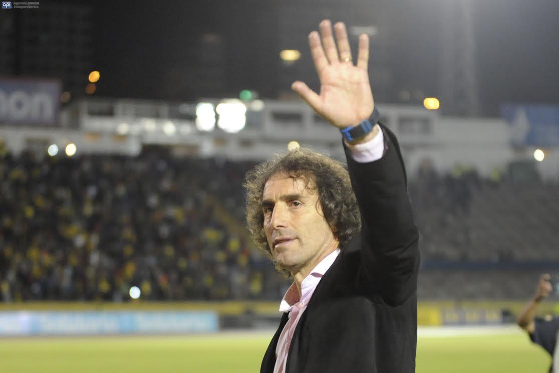 El DT Guillermo Almada, de la tristeza a la alegría
