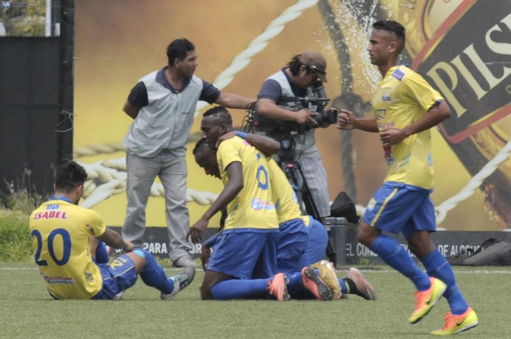 Delfín se juega, ante River Ecuador, su permanencia en la Serie A