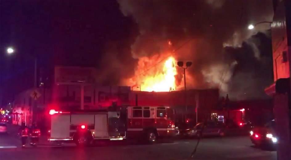 Suben a 36 los muertos por incendio en un concierto en EE.UU.