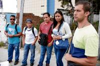 Venezolanos escapan de la crisis y buscan una oportunidad en Manta