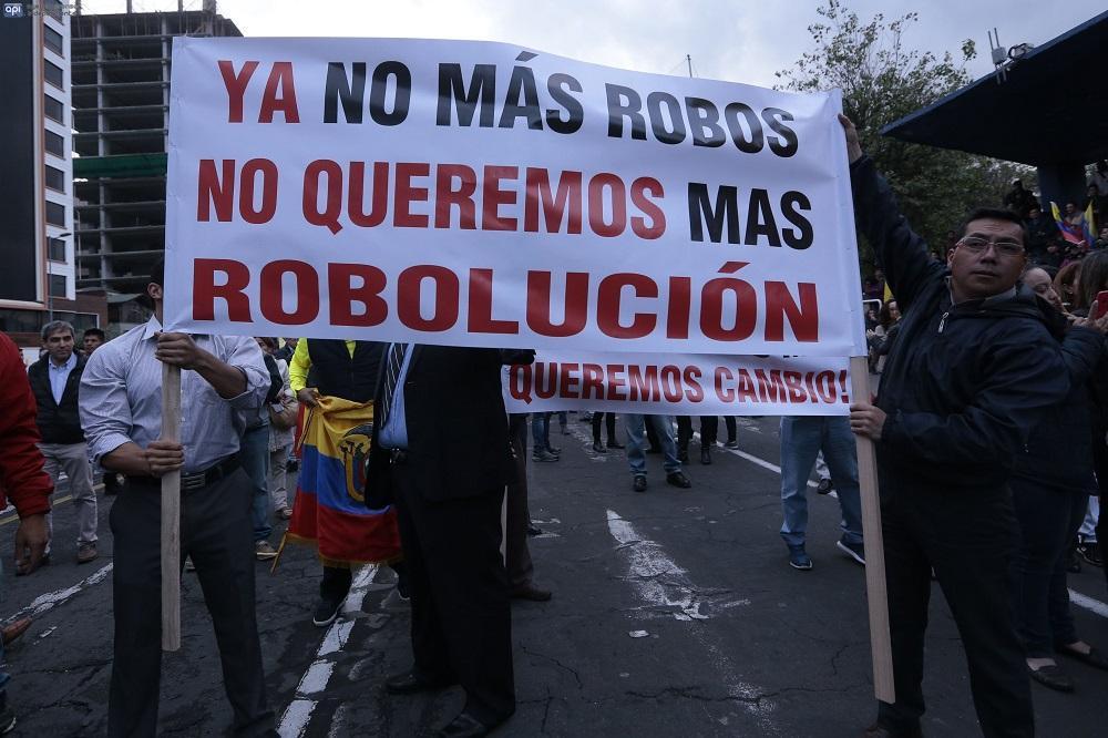 En tres provincias del país se registraron protestas en contra de la Ley de Plusvalía que promulga el Gobierno.
