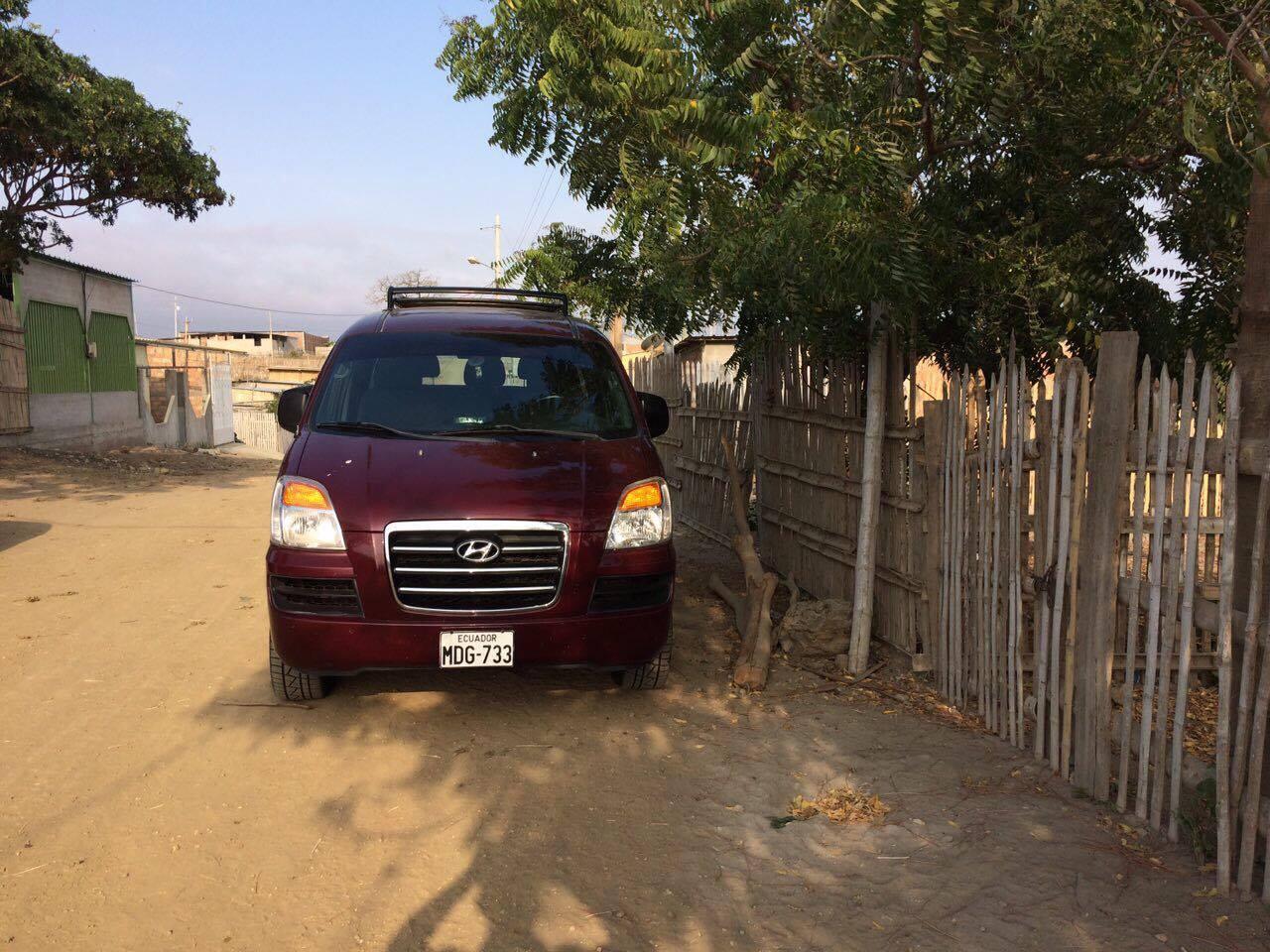 Policía recupera una furgoneta robada en Montecristi