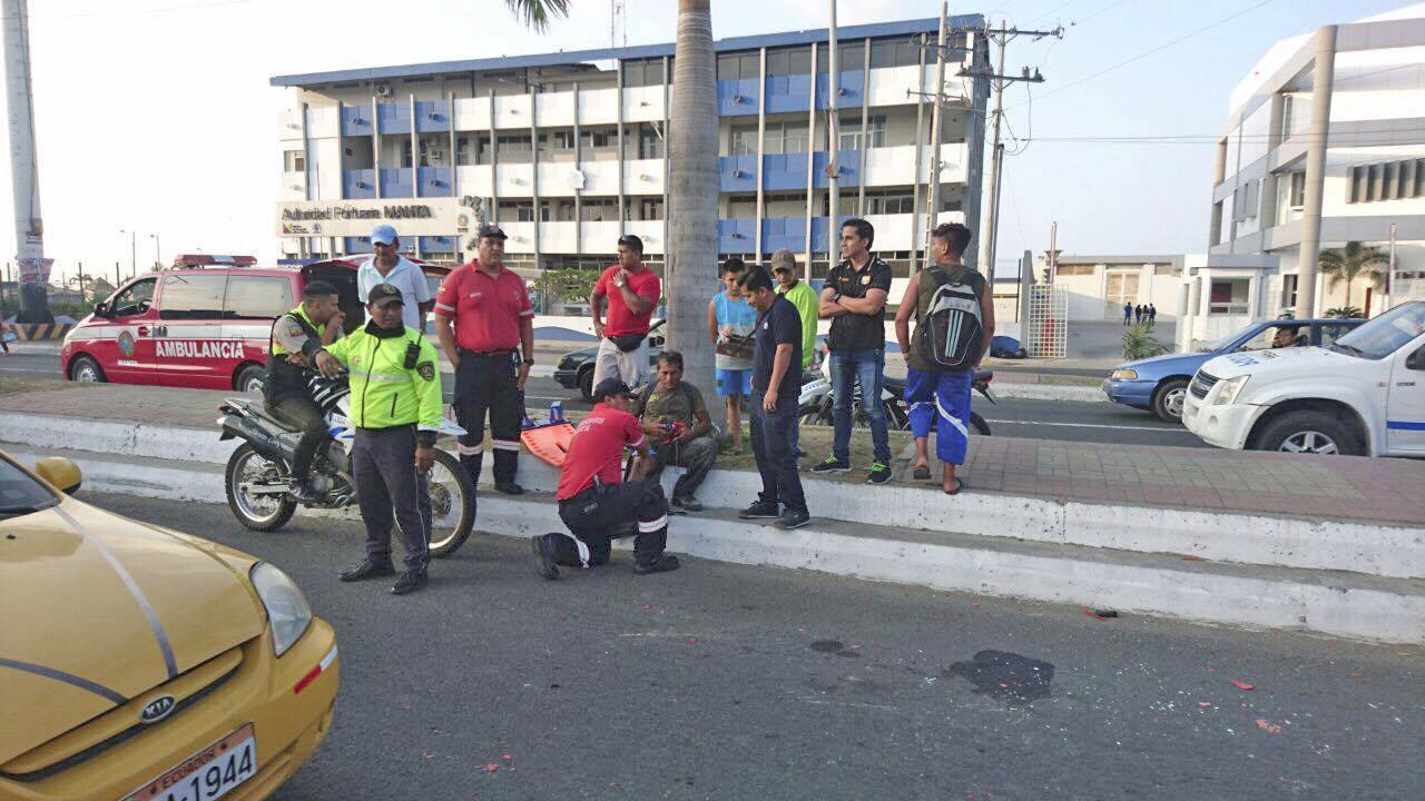 Un hombre es atropellado en la avenida Malecón en Manta