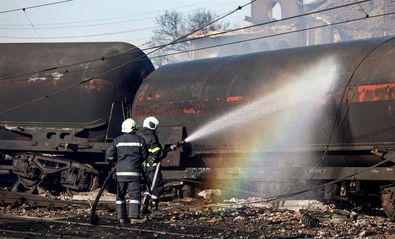 Siete muertos y 29 heridos tras explotar carga de gas de un tren en Bulgaria