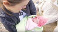 El divertido vídeo del 'bebé sandía' que llena de ternura a los usuarios de las redes sociales