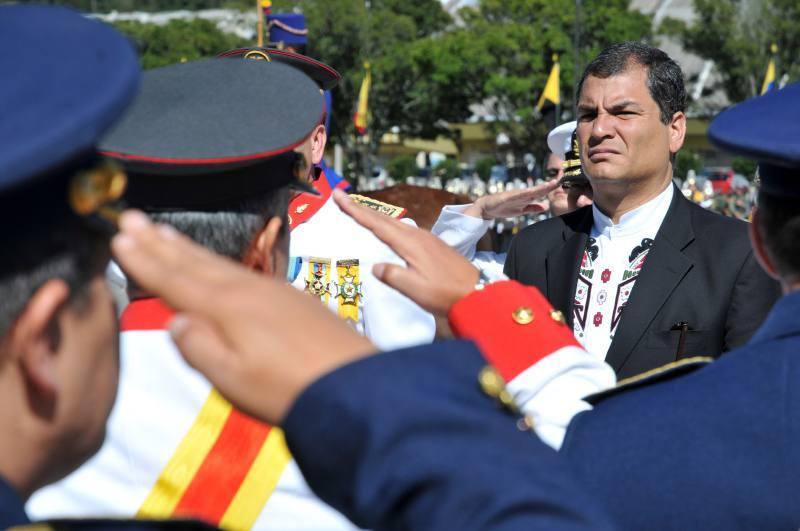 Presidente Correa decreta cambios en la cúpula militar
