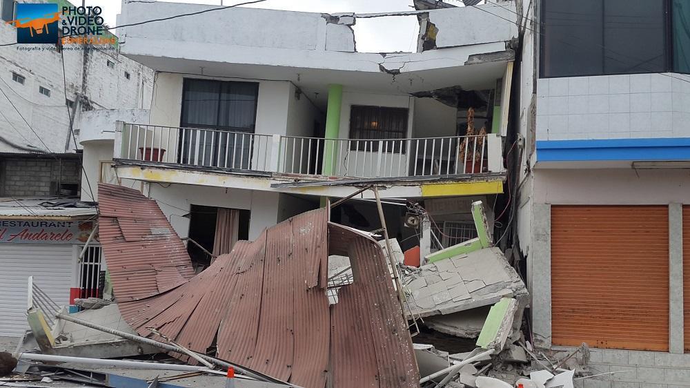Un sismo de 5,8 grados, seguido de al menos 30 réplicas, afectó este lunes a las costas de Esmeraldas. Foto Cortesía: Miguel Ortega de 'Drone Esmeraldas'