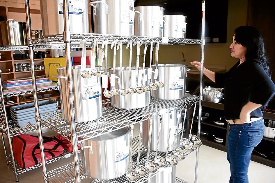 Ofertan l nea de equipos de cocina el diario ecuador for Equipos de cocina