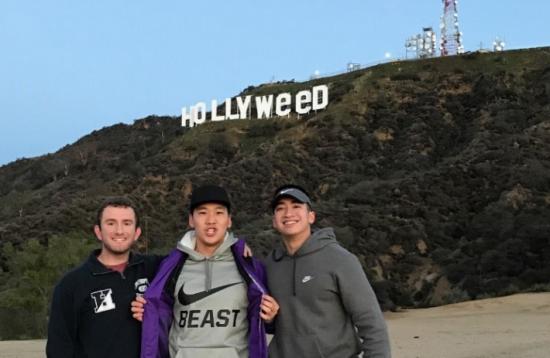 Hollywood comienza 2017 con una broma en su emblemático cartel