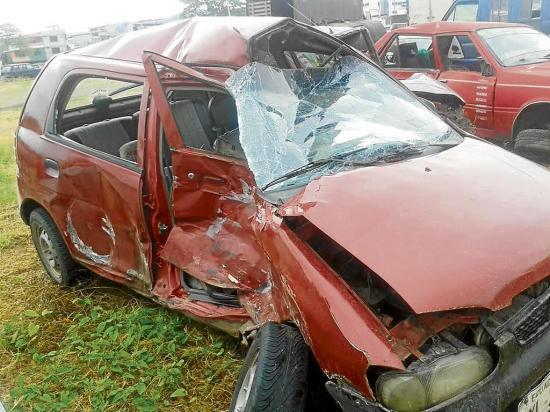 Tres heridos en un choque de carros