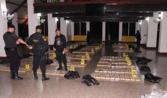 Incautan en Guatemala 683 kilos de cocaína a dos ecuatorianos y un colombiano