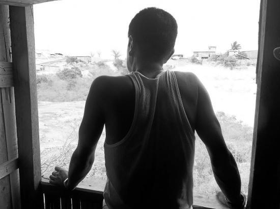 Juan viven con VIH pero una insuficiencia renal no le permite trabajar