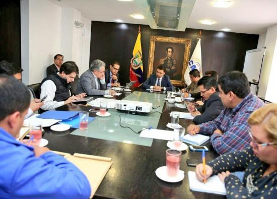 Autoridad electoral de Ecuador se reúne con observadores de Chile y Bolivia