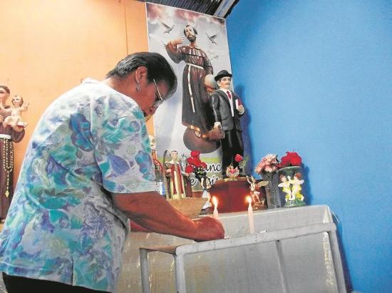 En Quevedo curan con el Hermano Gregorio