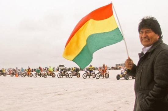 Evo Morales recibe a los pilotos del Dakar, que hoy llegaron a Bolivia