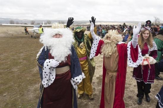 Los Reyes Magos recorren España bajo excepcionales medidas de seguridad