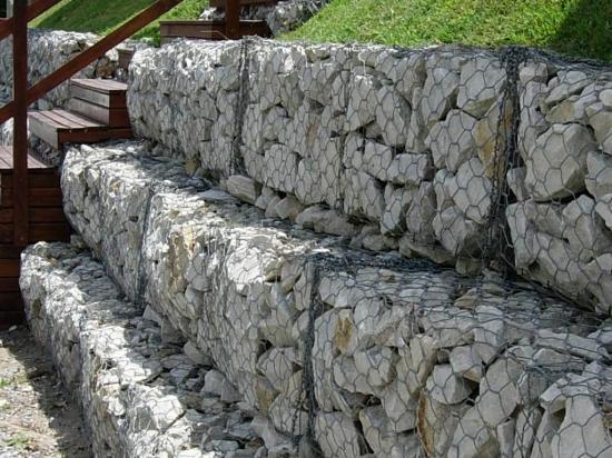 Muro con toque rústico