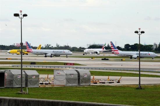 Cinco heridos en tiroteo en aeropuerto de EEUU se hallan en condición estable