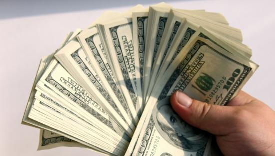 Hombre se comió 9.600 dólares para ingresarlos ilegalmente a Colombia