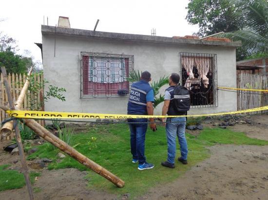Una pareja es asesinada a balazos mientras dormía