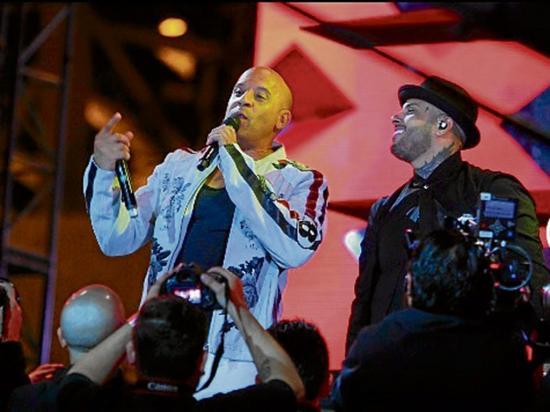 Nicky Jam puso a cantar a Vin Diesel en premiere de 'xXx: Reactivado'
