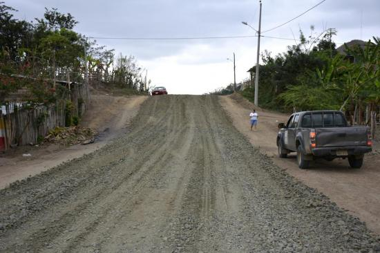 Finaliza primera fase de mejora de calles en Las Dos Bocas y Heidi María