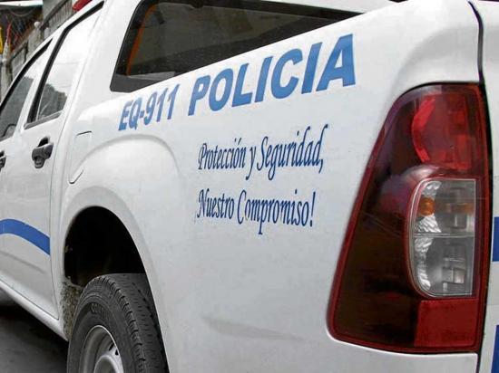 Dos ladrones dejan botada un arma durante su huida