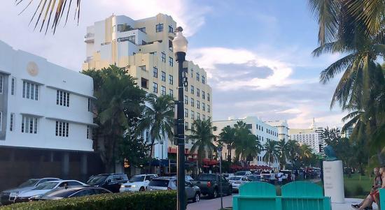 Dos detenidos en relación con aviso de bomba en popular sitio de Miami Beach