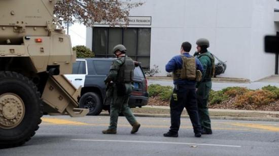 Detienen al hombre armado que tomó rehenes en un campus universitario de EE.UU.