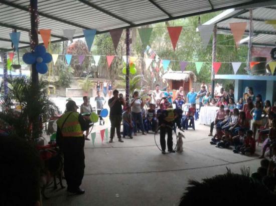 200 niños fueron  agasajados