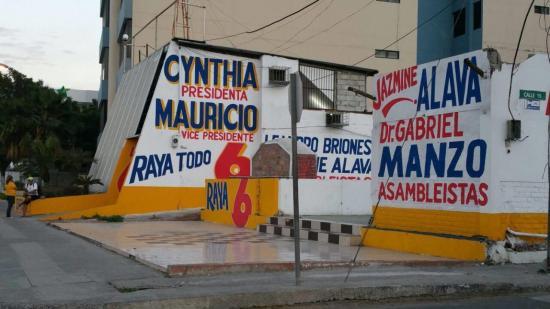 Dos partidos políticos serán multados por irrespetar ordenanza en Manta