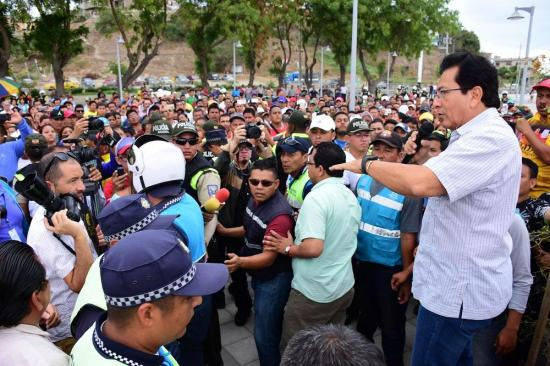 Alcalde se compromete a atender reclamos de comerciantes del 'Nuevo Tarqui'