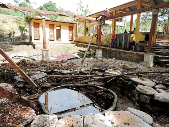 Los pozos de agua de la  comunidad Andil se quedaron sin techo