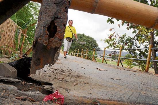 Vecinos del puente Chile esperan mejoras  o que lo suspendan
