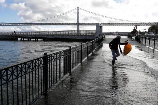 California en emergencia por la 'tormenta de la década'