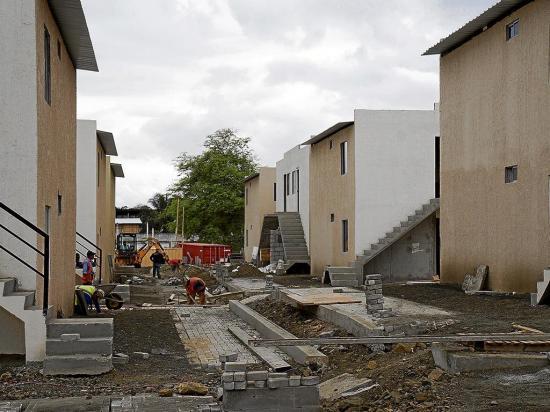 Intentan invadir casas en El Guabito