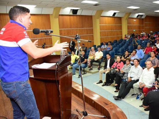 Solo dos candidatos asistieron al diálogo promovido por la UNP