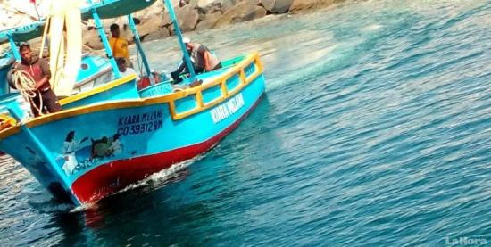 Armada del Ecuador rescata a tres pescadores perdidos en el mar