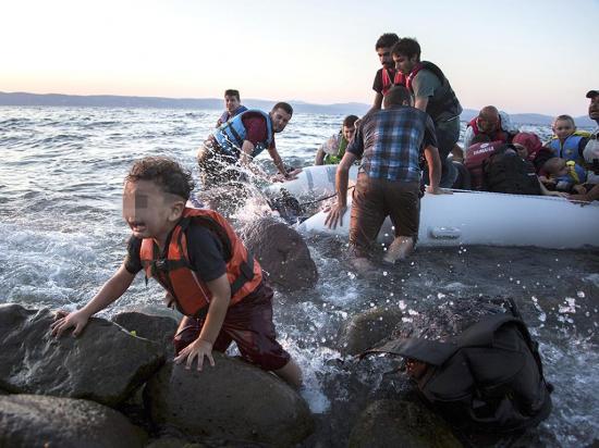 Más de 25 mil niños llegaron solos a Italia tras cruzar el mar Mediterráneo