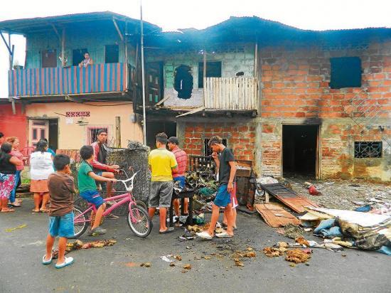 Familias que perdieron todo tras un incendio esperan ayuda
