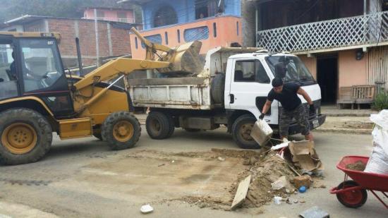 Organizan una minga para tres barrios en  Bahía de Caráquez