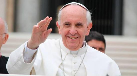 El papa bautizó a 8 niños de pueblos destrozados por el terremoto en Italia