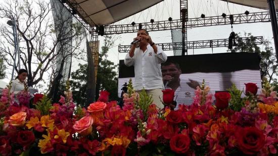 Correa afirma que dejará la economía de Ecuador en crecimiento y estabilizada