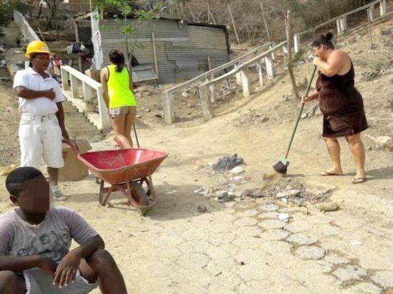Ciudadanos responden en mingas de limpieza para mejorar la ciudad