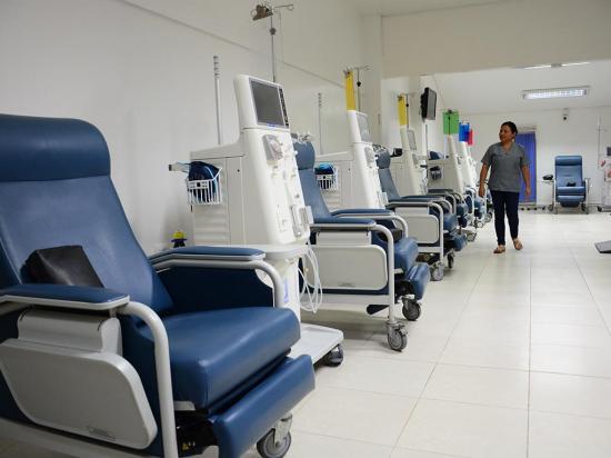 'Renacer' apaga sus equipos de diálisis tras fin de convenio con el IESS
