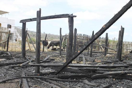 Casa fue consumida por el fuego