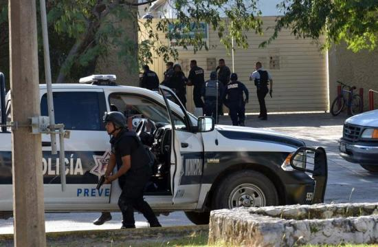 Un funcionario muere en ataque a tiros en el balneario mexicano de Cancún